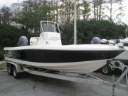 New 2014 Robalo Power Boat for sale