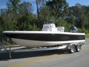 New 2015 Robalo Power Boat for sale