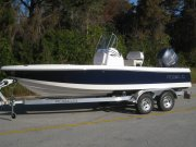 New 2015  powered Robalo Boat for sale