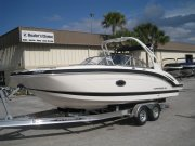 New 2016 Chaparral 250 Suncoast Power Boat for sale