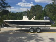 New 2017 Robalo 226 Cayman Bay Boat Power Boat for sale