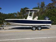 New 2017 Robalo 246 Cayman Bay Boat Power Boat for sale