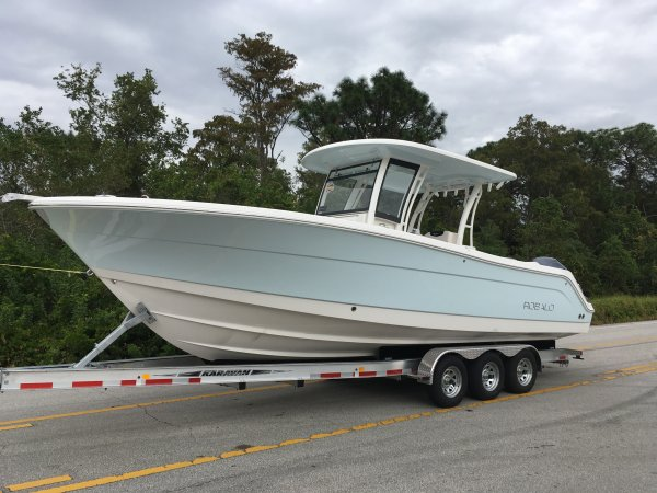 New 2017 Robalo 302 Center Console For Sale