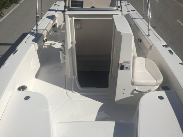 A 226 Cayman Bay Boat is a Power and could be classed as a Bay Boat, Center Console, Fish and Ski, Flats Boat, Freshwater Fishing, High Performance, Saltwater Fishing, Skiff, Runabout,  or, just an overall Great Boat!