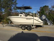 Pre-Owned 2008 Century 2200 Center Console Power Boat for sale